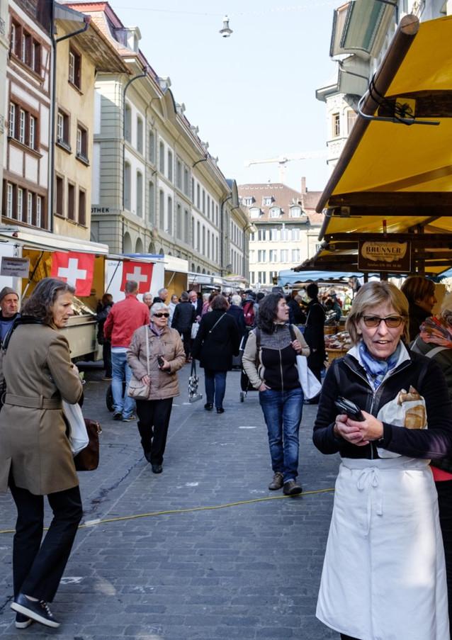 Frisches Brot auf dem Wochenmarkt