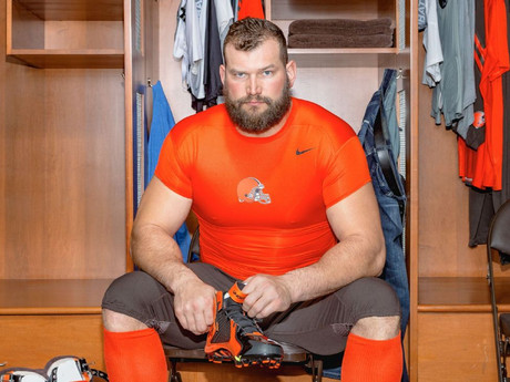 Joe Thomas sees the draft as a soap opera with unpaid actors