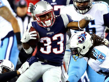 Patriots' Dion Lewis hits stride after major injuries and 985-day hiatus