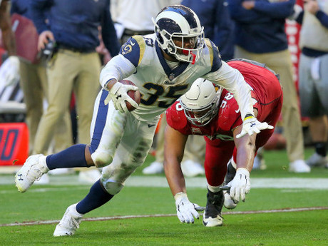 CJ Anderson Bangs out 167 Yards in Rams Debut