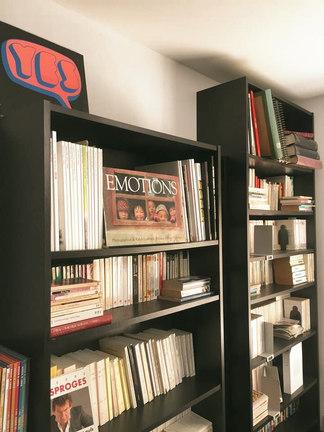 Bibliothèque à disposition au Rez-de-chaussée