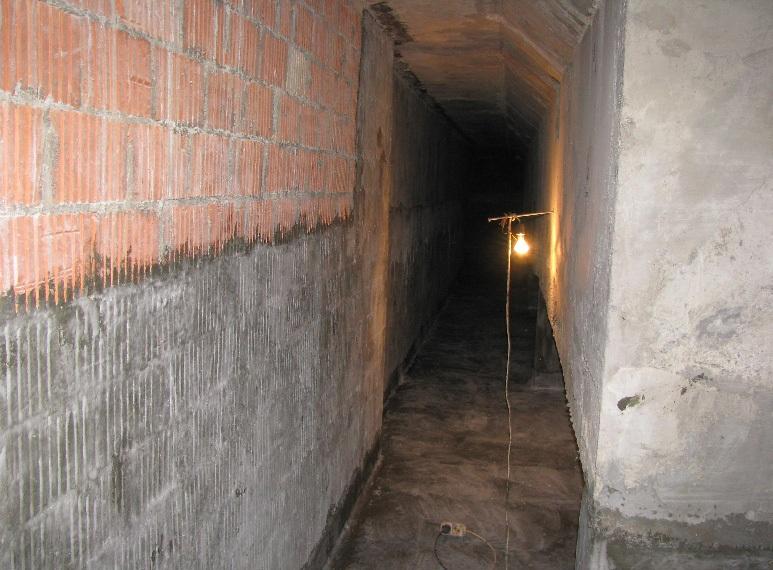 Гидроизоляция кирпичной кладки на цокольном этаже