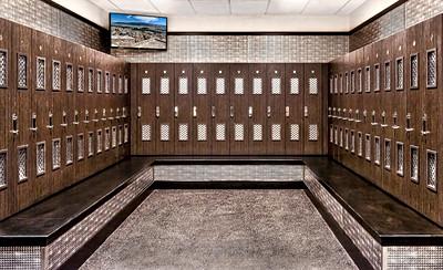 Planet Fitness Men's Locker Room