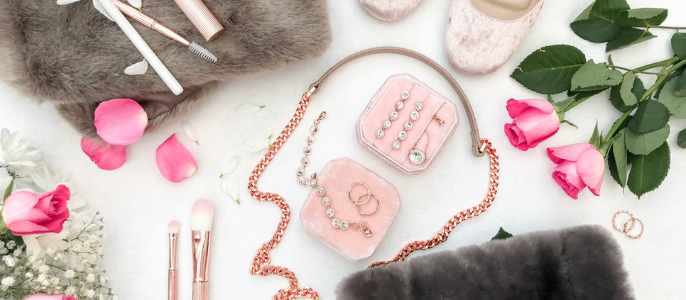 GIFT GUIDE FOR HER - SUPER SPECIAL AND UNIQUE GIFT IDEAS