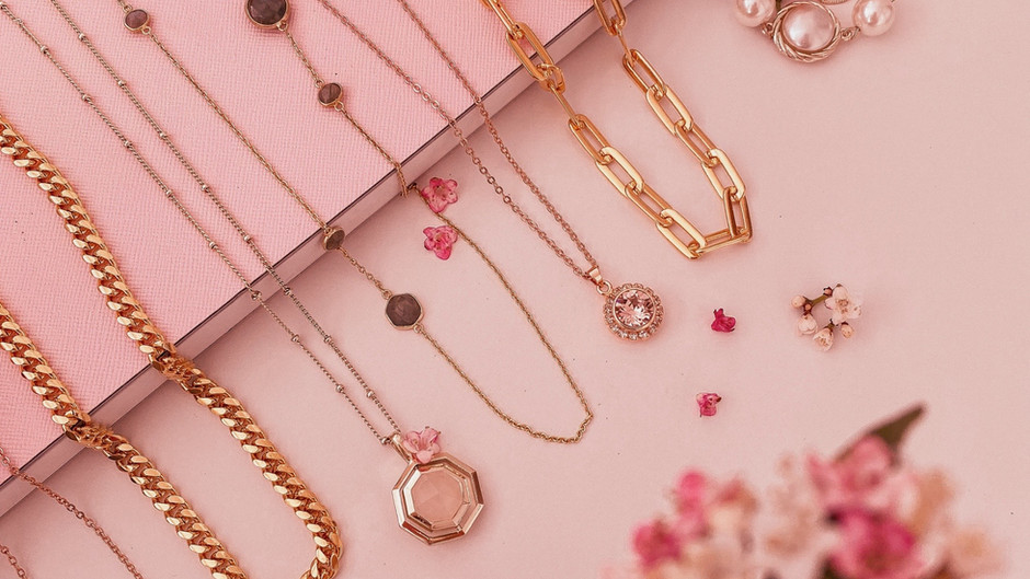 TWO JEWELLERY TRENDS YOU NEED TO TRY OUT FOR SPRING