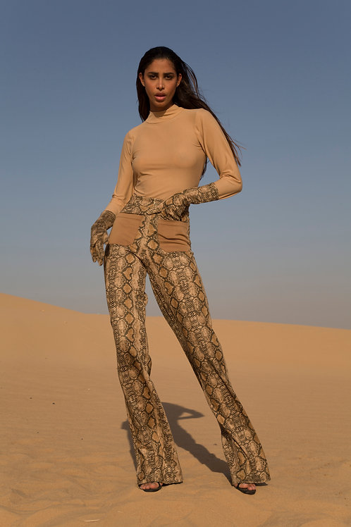 Snake wool pant with turtle neck top