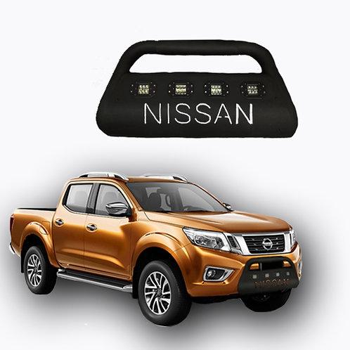 Bull Bar con 4 módulos LED NISSAN NP300
