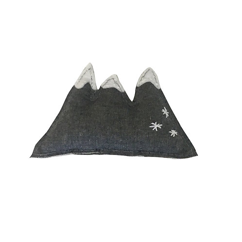 Mini Mountain Sewing Project Kit