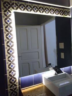 Espelho recuado com LED