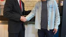 Óticas Kika recebe o presidente da Hoya Brasil em Juiz de Fora