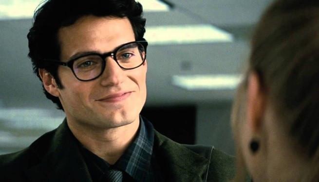 Foto: Henry Cavill como Clark Kent (Homem de Aço - 2013)