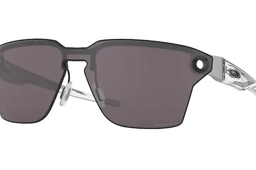 Oakley - Lugplate Preto - Lente  Prizm Cinza - 0OO4139-0139