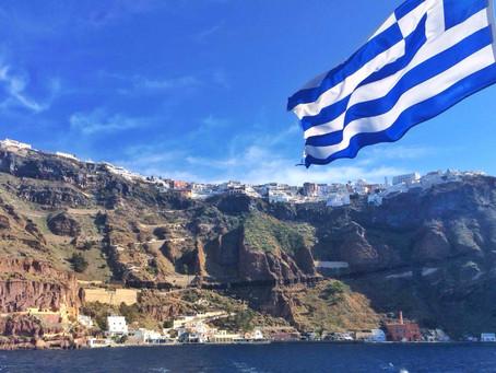 9 Reasons Everyone Should Visit the Island of Santorini