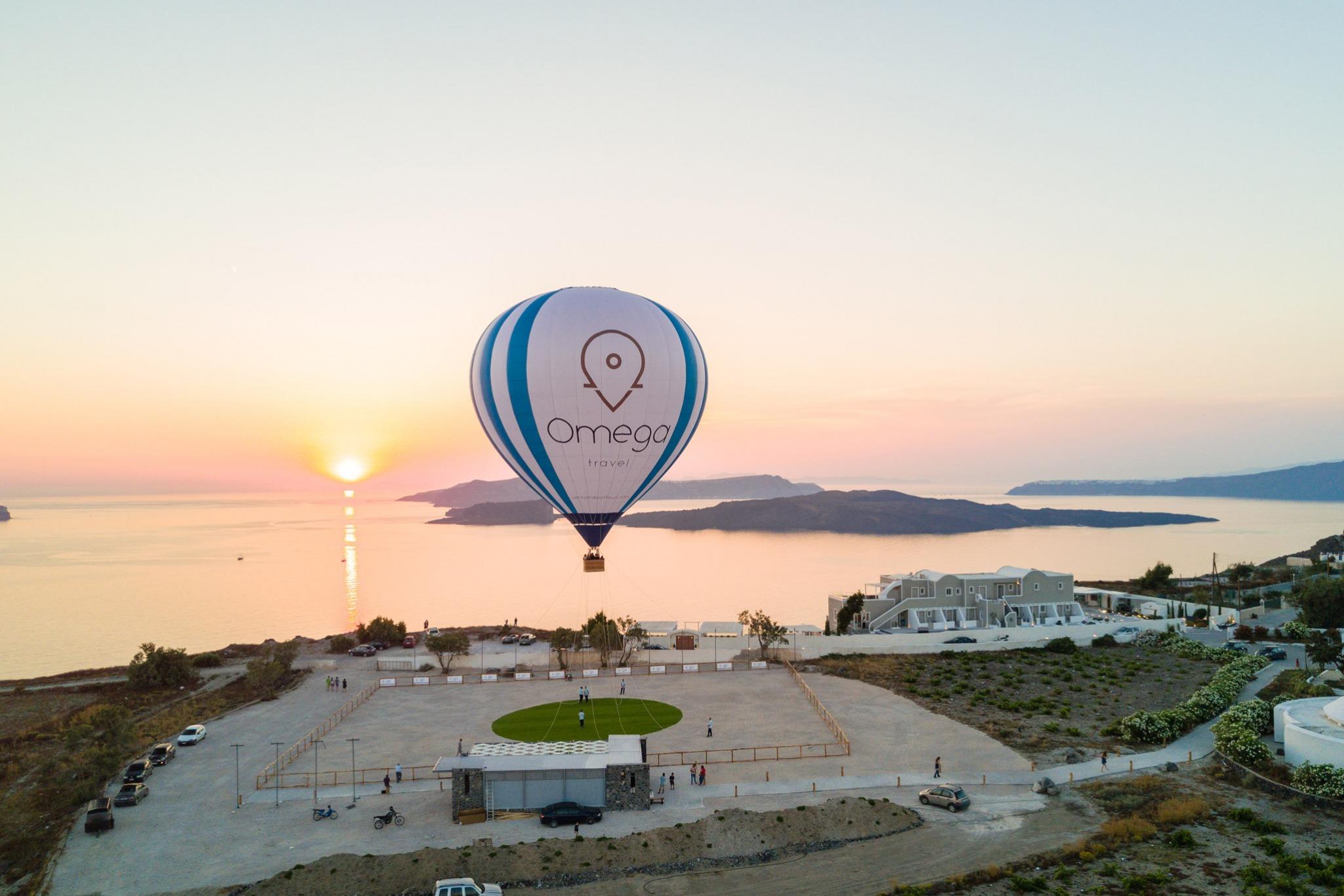 hot-air-balloon-ride-caldera-view-santorini