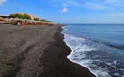 Black beach Kamari village