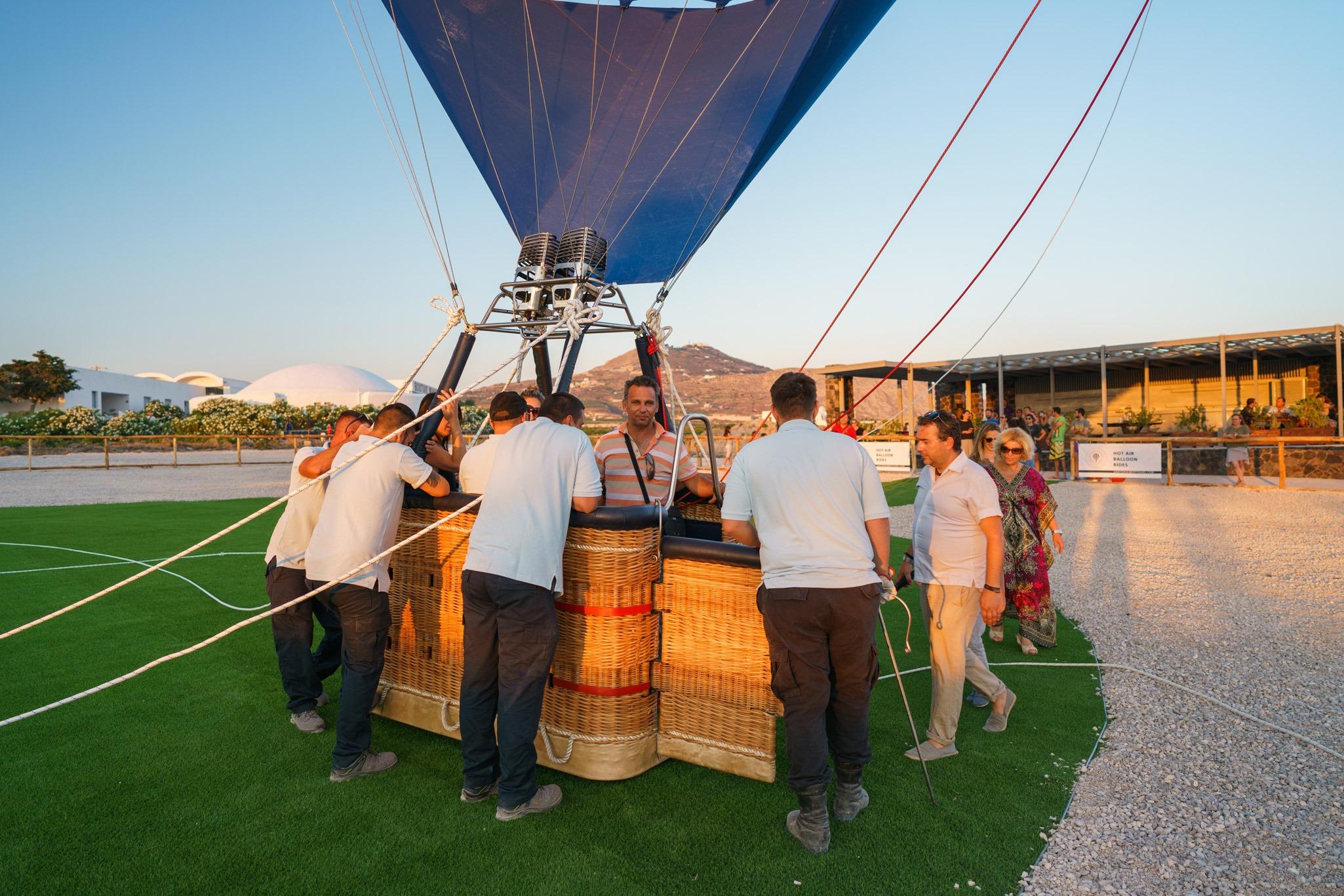 tethered-balloon-rides-santorini