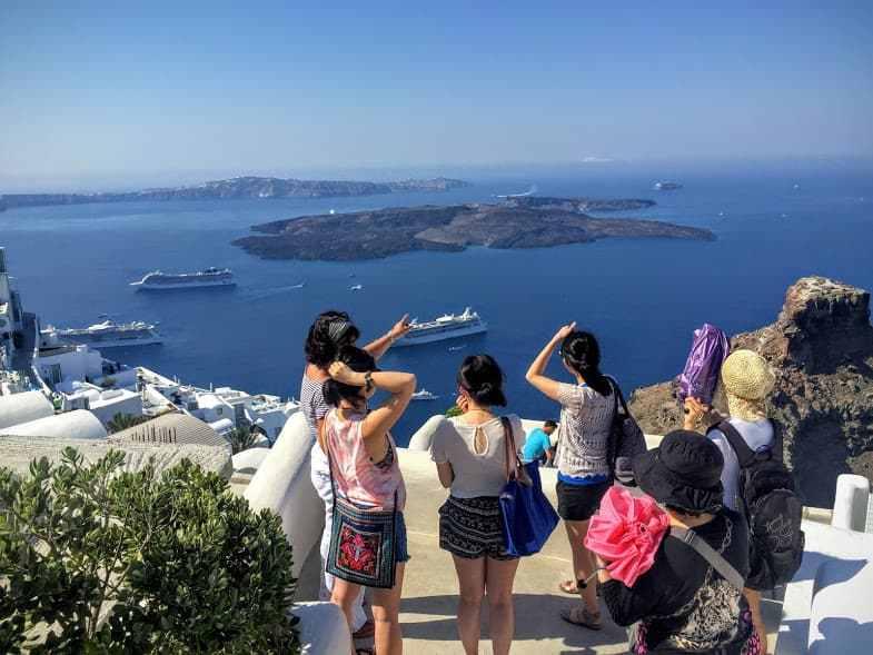 Private-Tours-in-Santorini