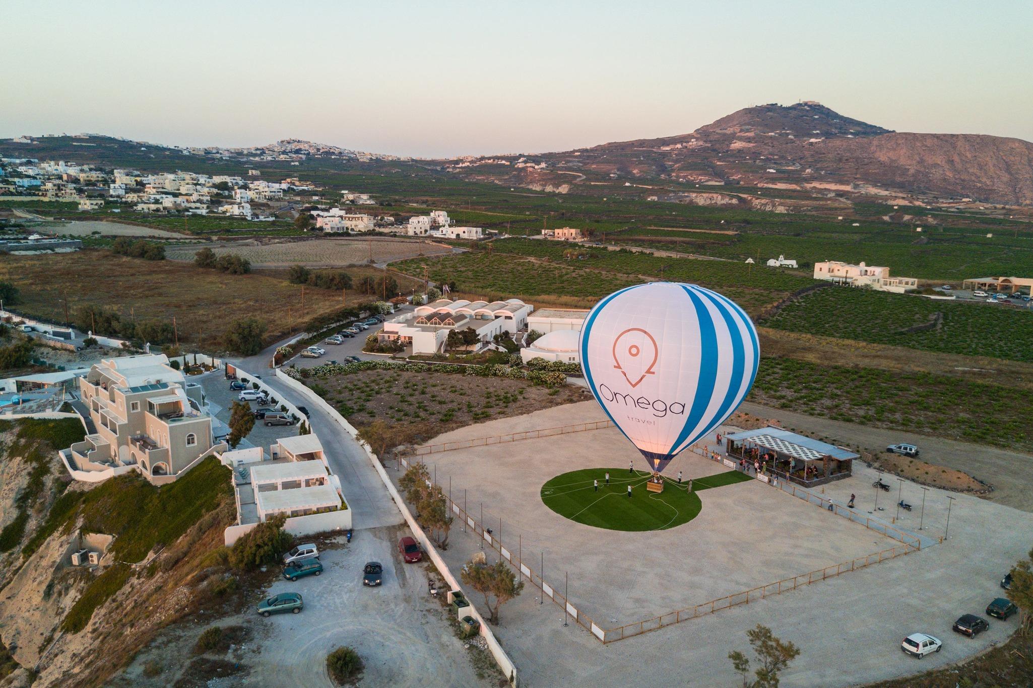 hot-air-balloon-ride-santorini