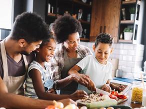 Participação da criança no preparo dos alimentos 🥦