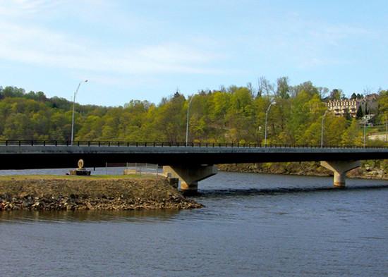 Ices Ferry Bridge 04.jpg