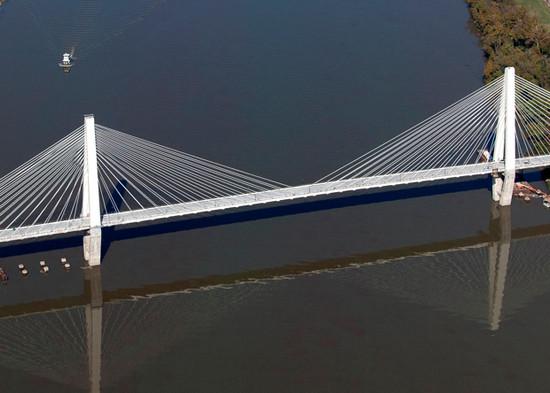 Ironton Russell Bridge 04.jpg