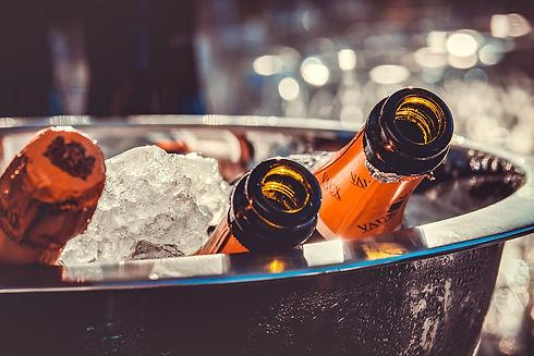 champagne-3515140_1920.jpg