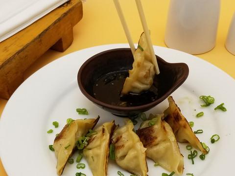 Gyoza (pan fried)