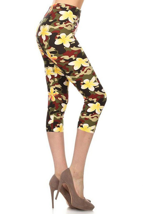 PLUS SIZE FLORAL PRINT LEGGINGS CAPRI