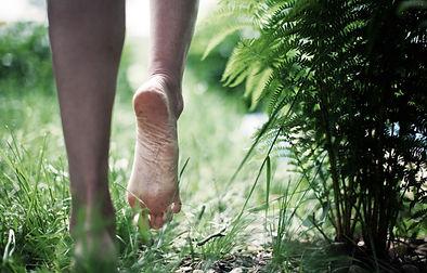 pieds qui marchent