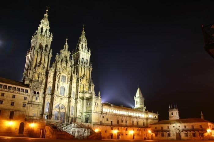 cattedrale_santiago_notturna_big.jpg