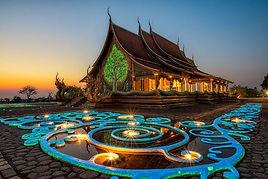 thailand-temple-etiquette-58cf77b25f9b58