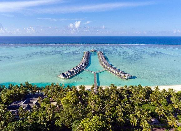 Sun Island Resort 2 Nights in Superior Beach Bungalow