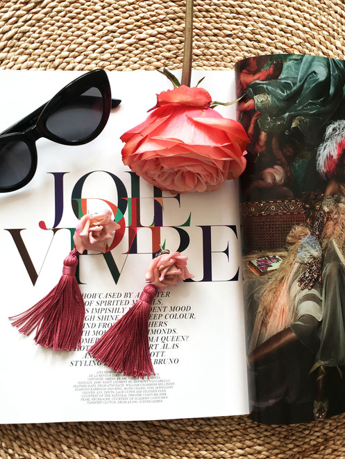 Off-figure styling Lola Mora earrings.jp