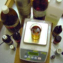 Waage_Parfumrohstoffe.jpg