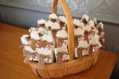 25 Confetti Cones with String & Personalised Tag, with Oval Wooden Basket