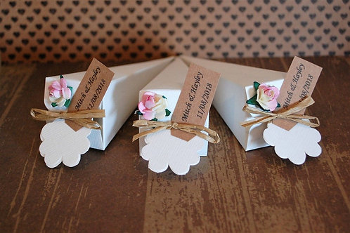 Raffia Confetti Cones with Personalised Tag and Paper Rose