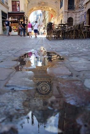 Un reflet du Gros Horloge