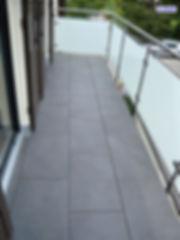 ALDRAIN-Balkonbodensystem Geländer Beispielbild