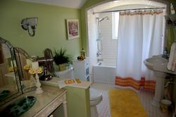 Alice Room - Bathroom