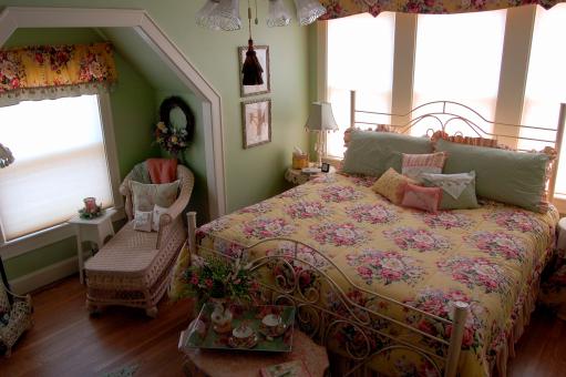 Alice Room