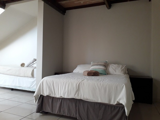 Apartment Room 2.jpg
