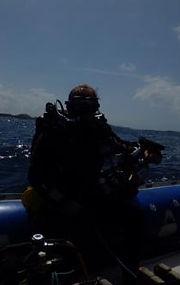 Diver boat sea.jpg