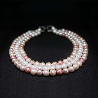 Shell Necklace 9-10mm Pearls 3 String