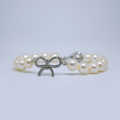 Pearls Bracelet With Silver