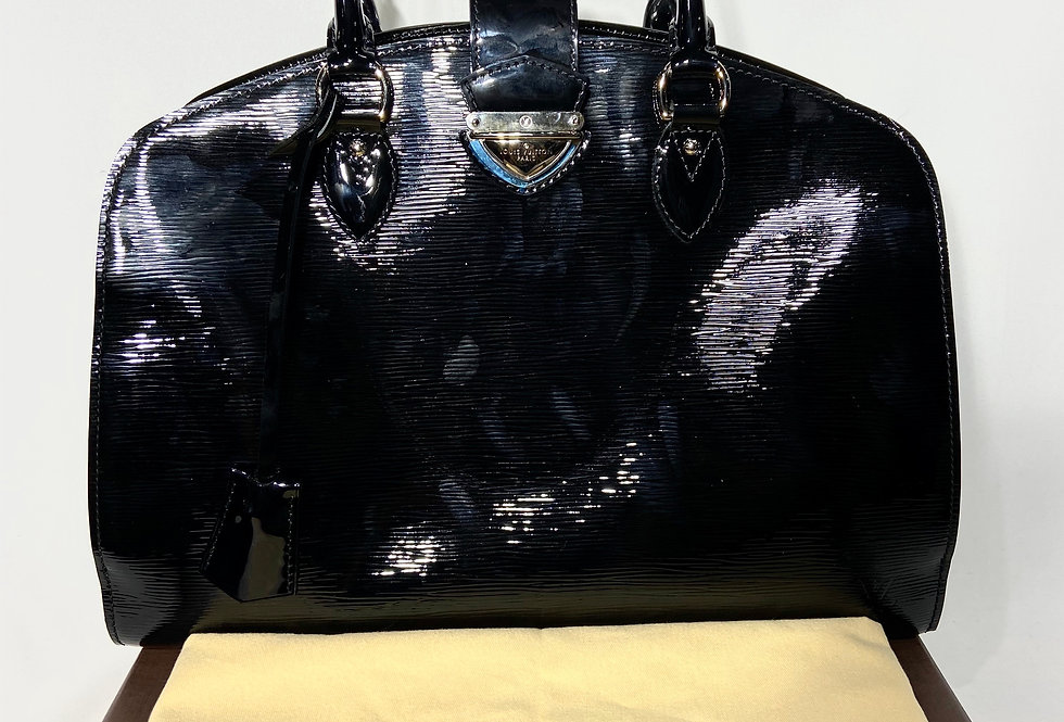 Louis Vuitton Black Patent Epi Pont-Neuf GM Black