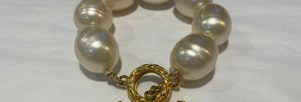 Chanel Vintage Extra Large Faux Baroque Pearl Bracelet