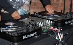 Bar à vinyles mixage en live