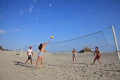 ∏Caroline Geolle - Partie de beachvolley entre jeunes (3330_HD).jpg