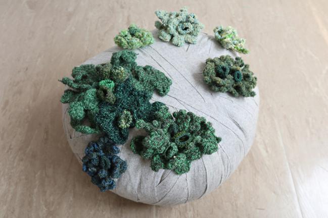 tzu.fen.lin_fiberart_lichenscapes_stone_