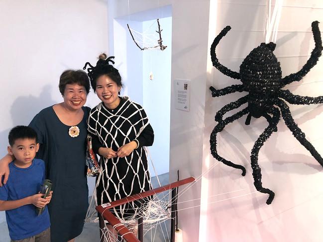 tzu.fen.lin_fiberart_spiderweb_costume_6